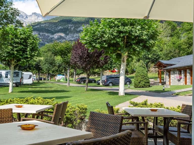 Instalaciones camping rio ara ordesa for Oficina turismo torla